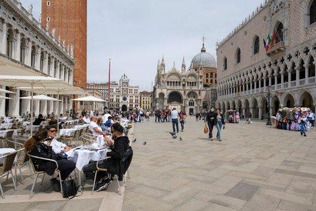 Coronavirus: plus faible nombre de deces en italie depuis octobre