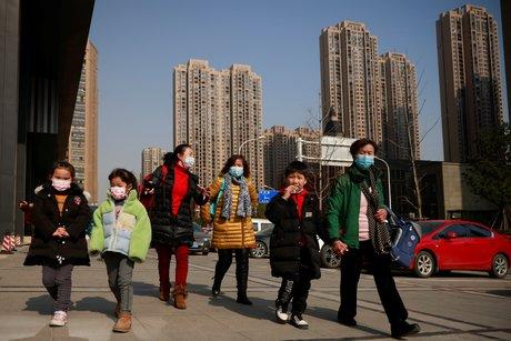 La chine change la limite des naissances a trois enfants par couple