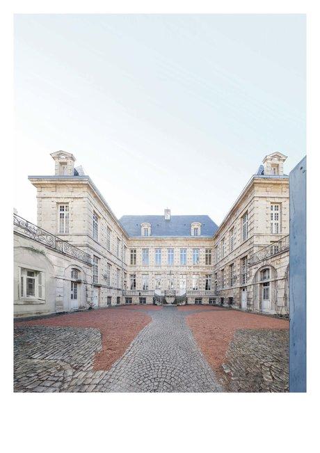 l'hôtel particulier, Bouchu dit d'Esterno, l'un des plus importants hôtels particuliers construits au milieu du 17ème siècle