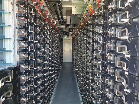 Les batteries à l'intérieur des containers