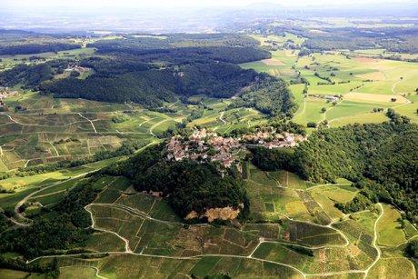 vue aérienne de Chateau Chalon