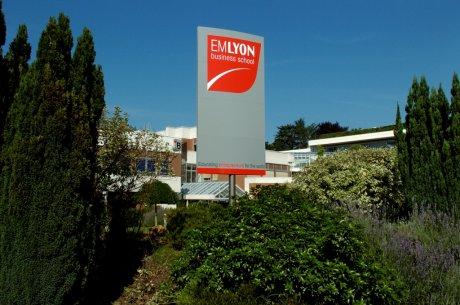 EM Lyon campus