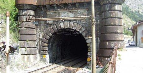 Portail du tunnel du mont-Cenis