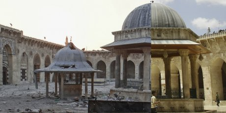 La Grande mosquée d'Alep (Syrie) en 2013 et en 2010