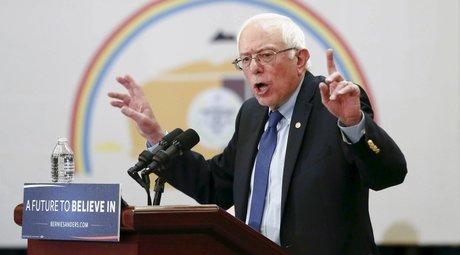 Bernie sanders ecarte l'idee qu'il devrait abandonner