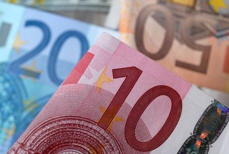 L'euro grimpe apres la decision de bayrou