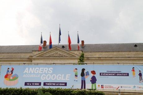 Christophe Béchu, maire LR Angers, Sébastien Missoffe, Vice President & Managing Director de Google France,