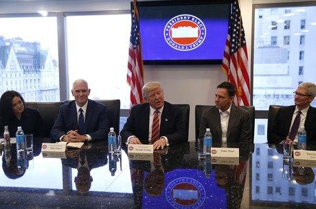 Trump rencontre les PDG de grandes entreprises américaines durant la transition