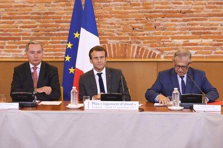 Macron 3