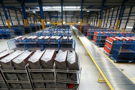 Amazon ouvre la porte du domicile pour livrer ses colis — Amazon Key
