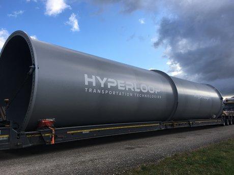 Les premiers éléments d'Hyperloop, le train du futur, sont arrivés à Toulouse
