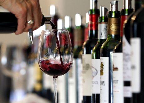 Vin rouge, bordeaux, viticulture, vigne, verre, bouteille,