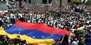Les venezueliens manifestent pour guaido, contre maduro