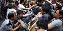Nouvelles échauffourées à Hong Kong, plusieurs interpellations
