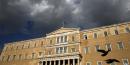 Ciel noir sur le parlement grec à Athènes le 22 avril 2016