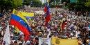 Defiles rivaux au venezuela a l'occasion du 1er-mai