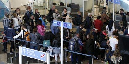 Aéroports, contrôle, sécurité, passeport, passagers, fluidité,