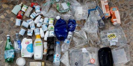 Plastique, recyclé, tri sélectif, consommation domestique, pollution,