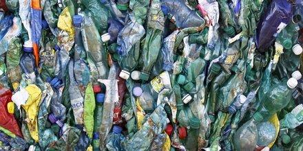 Vers un bonus-malus pour doper le recyclage du plastique