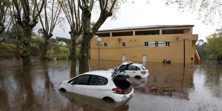 Deux disparus apres des inondations dans le sud-est