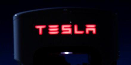 Tesla met a jour son logiciel de batterie apres deux incendies de voitures