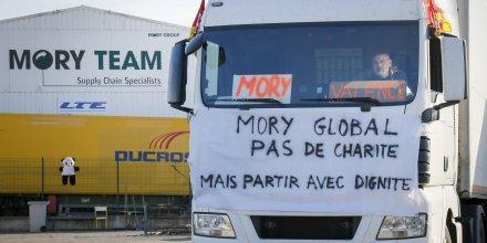 MoryGlobal / Mory Global : manifestation ke 10 avril 2015 devant les locaux de Saint-Priest, près de Lyon