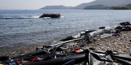 Treize migrants portes disparus au large de l'ile de lesbos