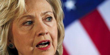 Des courriels du compte personnel d'hillary clinton contenaient des informations secretes