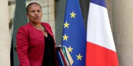 Christiane taubira defend la reforme de l'aide juridictionnelle