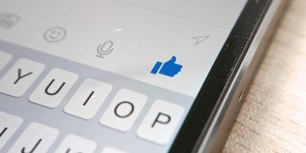Facebook Messenger app sur iPhone, par Kārlis Dambrāns. Via Flickr CC License by.