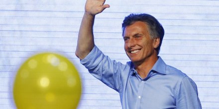 Mauricio macri elu president de l'argentine