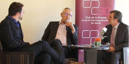 Bernard Maffre, P-dg des Journaux du Midi, entouré de Guillaume Mollaret et Michel Pélamourgue, du Club de la presse du Gard