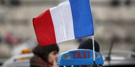 Les taxis levent les blocages a paris