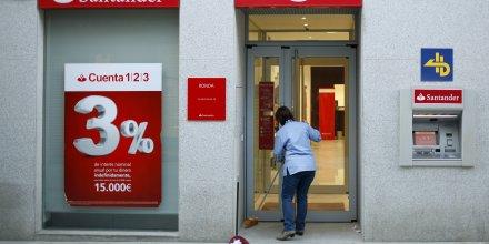 Santander compte fermer environ 450 agences en espagne