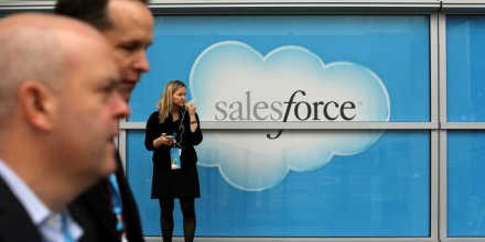 Previsions annuelles de salesforce relevees apres un bon 1er trimestre