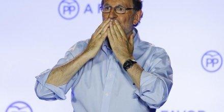 En espagne, mariano rajoy va proposer aux socialistes de former une coalition