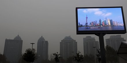 Chine, pollution, Shanghai, écran télévision, air pollué, villes, smart city,