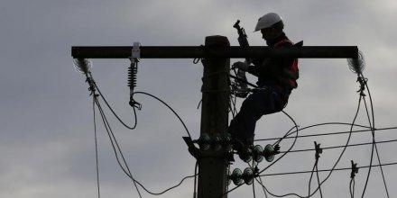 Des pylones electriques loues aux operateurs telecoms