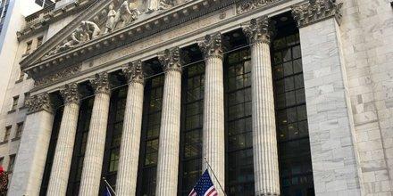 Wall Street de face
