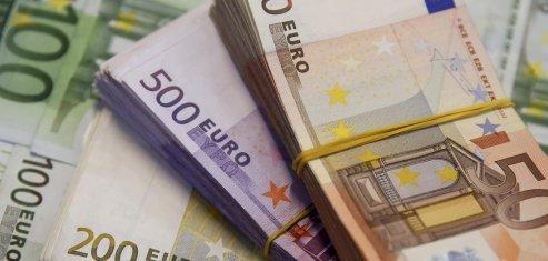 Le deficit budgetaire 2014 confirme a 85,6 milliards d'euros