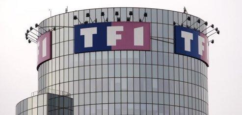 Tf1 recule a la bourse de paris apres le passage de lci au gratuit