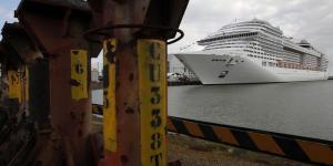 Débrayage aux chantiers navals STX de Saint-Nazaire