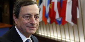Mario Draghi, président de la BCE, arrive à un sommet de l'UE à Bruxelles, en décembre 2013.