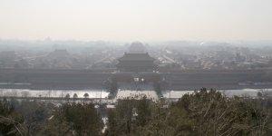 La Cité interdite de Pékin / Beijin, capitale chinoise, sous le brouillard de la pollution (ici en janvier 2010).