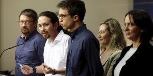 Les leaders de Podemos dans la salle de presse du Congrès des députés, le 22 janvier 2015