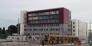 La nouvelle polyclinique St-Roch a été dessinée par le cabinet d'architecture nantais Blézat