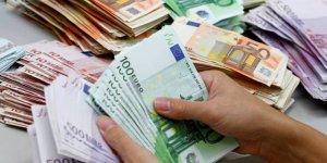 Le deficit budgetaire prevu a 69,3 milliards d'euros en 2017