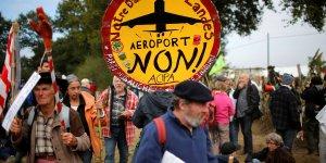 Des milliers d'opposants a l'aeroport mobilises a notre-dame-des-landes