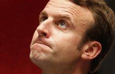 Macron ministre économie loi