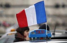 Les taxis levent les blocages a paris